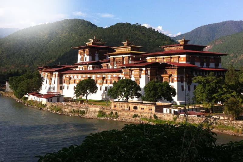 Bhutan Luxury & Deluxe Tours
